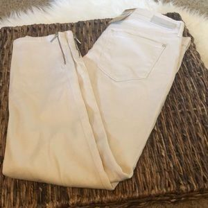 DKNY BEIGE JEANS. NWT